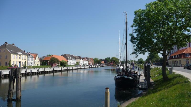 Www Glueckstadt De